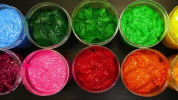 colorato di inchiostro per la stampa su maglietta in lattine trasparenti video