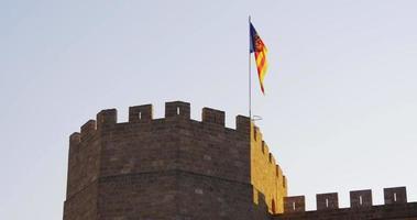 Sonnenuntergang Licht Torres de Serranos Top-Flagge 4k Spanien Valencia video