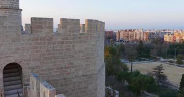 torres de serranos parque valência baía 4k espanha