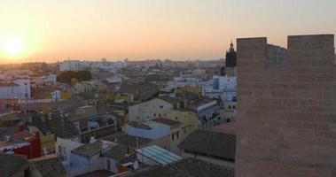 vista do pôr do sol em valência de torres de serranos 4k espanha