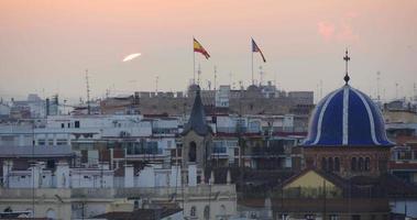 vista panorâmica dos telhados do pôr do sol de valência 4k espanha