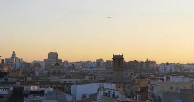 catedral da cidade velha de valência pôr do sol vista da cobertura 4k espanha
