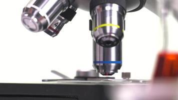 elementos de configuración de un microscopio video
