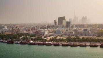 dubai city sunset centro deira roof top riacho panorama 4k time lapse emirados árabes unidos video
