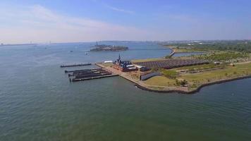 imágenes aéreas del centro de procesamiento de ellis island video