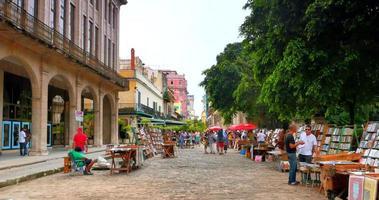 4k havana cuba, área comercial tranquila em uma rua lateral, no centro