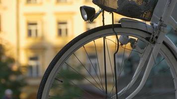Fahrradspeichen und Laterne