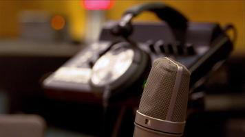 Studio microphone and headphone video
