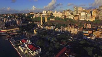 Vista aerea della baia di tutti i santi a salvador, bahia, brasile video