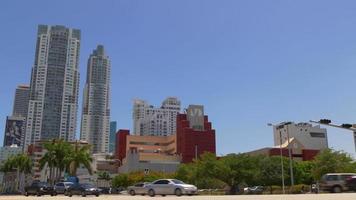 dia ensolarado eua cidade de miami, centro, tráfego, cruzamento, panorama, 4k, florida
