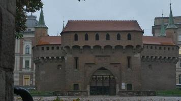 la puerta de la barbacana de Cracovia
