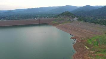 Luftaufnahme von Khun Dan Prakan Chol Damm, Thailand