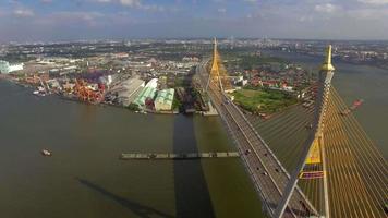 puente colgante en la ciudad de bangkok video