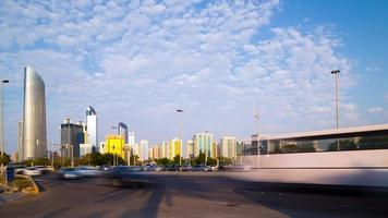Abu dhabi trafic routier time lapse video