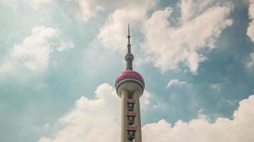 china shanghai zomerdag oosterse parel toren top sky panorama 4k time-lapse