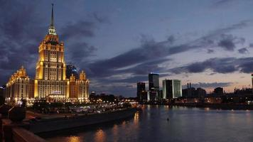 timelapse do hotel ucrânia na Rússia, Moscou video