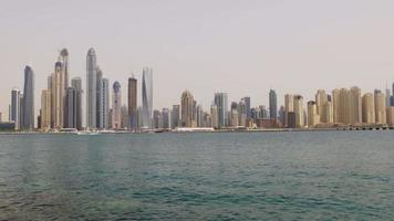 Emirati Arabi Uniti dubai marina estate tempo giorno baia edifici palma panorama 4K