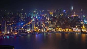 china night light xangai cidade velha baía telhado panorama aéreo 4k time lapse video