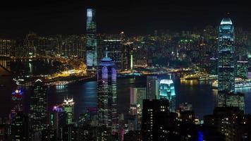 luz de la ciudad de noche centro de hong kong 4k lapso de tiempo de china