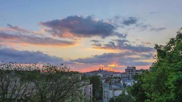 Sonnenuntergangsbasilika des heiligen Herzens in Montmartre-Paris-Frankreich