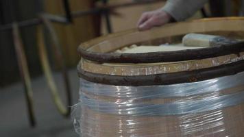 fabrication de tonneaux de vin - vignoble bordelais