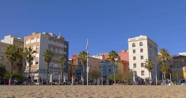 barceloneta living block walking bay journée ensoleillée vue 4k espagne