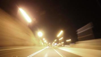 lapso de tiempo de la carretera nocturna desde al ain emiratos árabes unidos