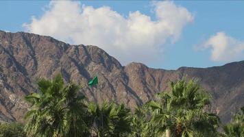 lasso di tempo di cielo montagna 4K da località turistica negli Emirati Arabi Uniti