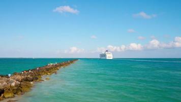 usa miami south beach estate giorno turistico oceano nave 4k lasso di tempo florida