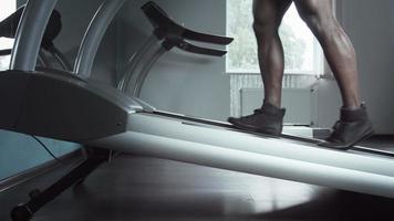 Reducing treadmill incline