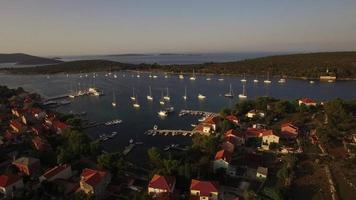 antenna - villaggio di ilovik e vicino ancoraggio sicuro per barche a vela