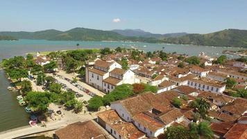 Panoramablick auf Paraty, Ort von der Unesco zum kulturellen Erbe der Menschheit erklärt