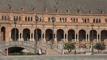 turistas en el palacio real español