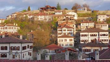 giorno timelapse, tradizionale villaggio anatolico ottomano, safranbolu, turchia