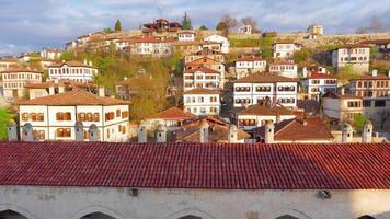 giorno timelapse, tradizionale villaggio anatolico ottomano, safranbolu, turchia, zoom in