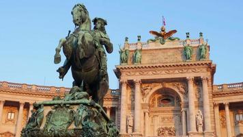 il principe eugenio di savoia statua palazzo hofburg vienna