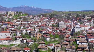 dag timelapse, traditioneel ottomaans anatolisch dorp, safranbolu, turkije, zoom in