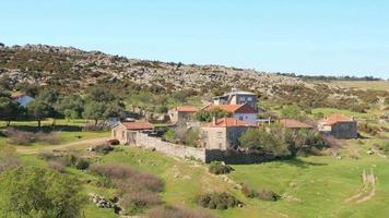 case di pietra tradizionali vecchi villaggi turchi intorno ad assos, canakkale, turchia