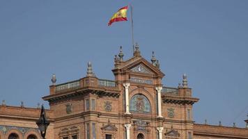 bandeira espanhola no palácio real espanhol video