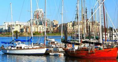 Victoria BC Canada Harbour, plan moyen, beaux bateaux dans le port de plaisance