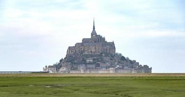 mont saint-michel, france, timelapse - zoom on the mont video