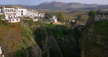 Ronda sole luce vista panoramica dal ponte 4K Spagna