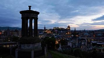 timelapse do pôr do sol sobre Edimburgo, Escócia video