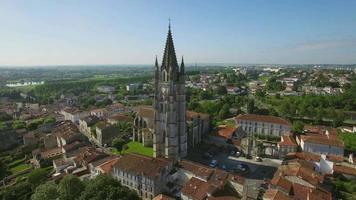 francia, charente-maritime, saintes, veduta aerea di st. eutrope chiesa