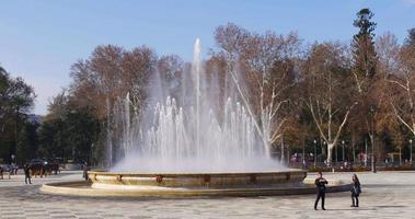 sevilla famoso lugar turístico fuente de la plaza de españa 4k españa