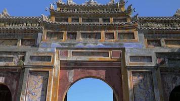 puerta en ciudad imperial, hue, vietnam. video