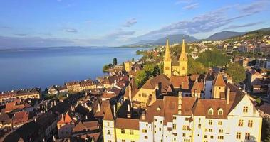 Veduta aerea della chiesa collegiale di Neuchatel, Svizzera