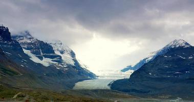 ghiacciaio del campo di ghiaccio della columbia, jasper alberta