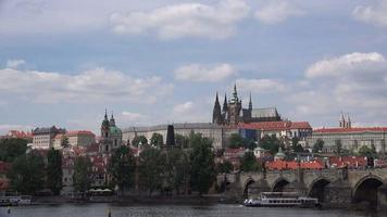 castillo de praga y catedral de san vito video