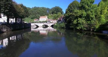vecchio ponte di pietra a brantome